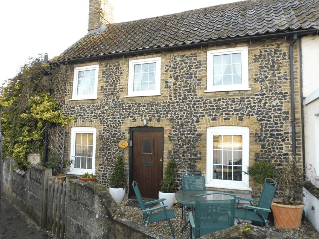 Self catering accommodation - Flint Cottage